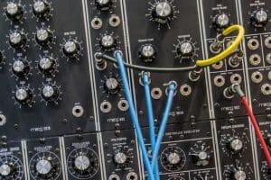 Conexiones de barras de sonido baratas
